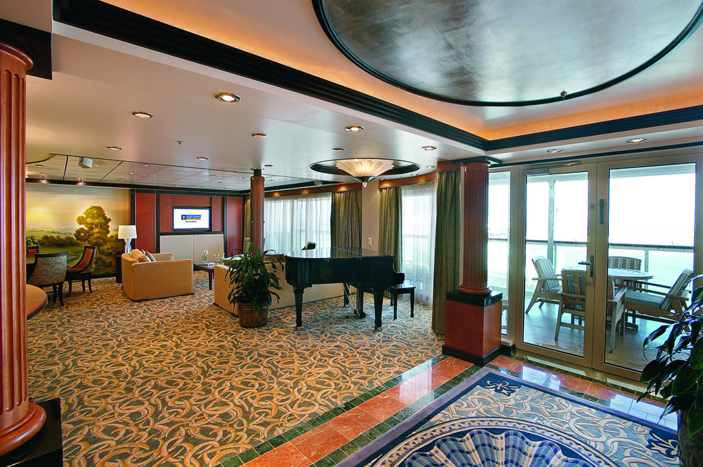 """Сьют """"Royal Suite with Balcony"""""""