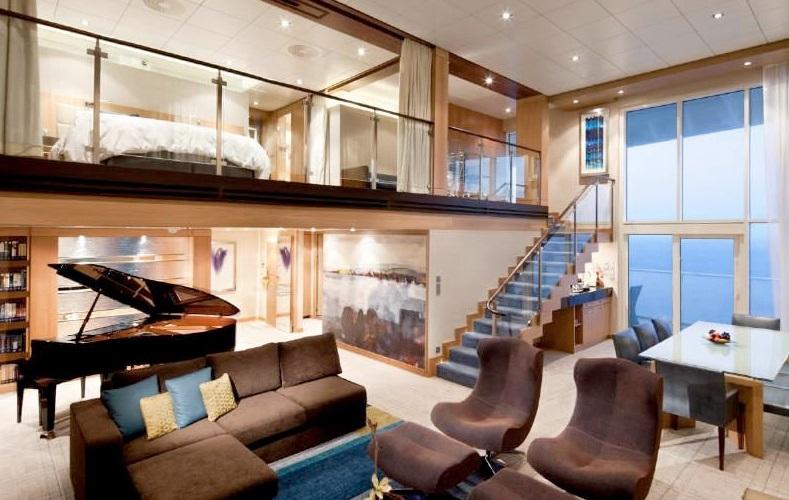 "Сьют ""Royal Loft Suite with Balcony"""