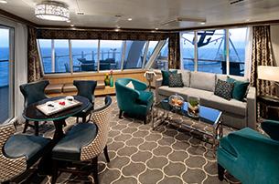 "Сьют ""AquaTheater Suite with Large Balcony"""