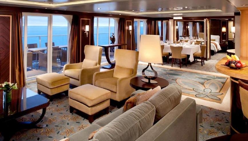 "Сьют ""Accessible Crown Loft Balcony Suite"""
