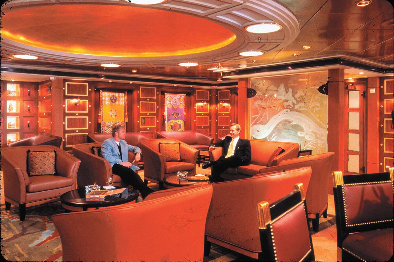 Круизный лайнер Adventure of the Seas - Клуб знатоков (Connoisseurs Club)