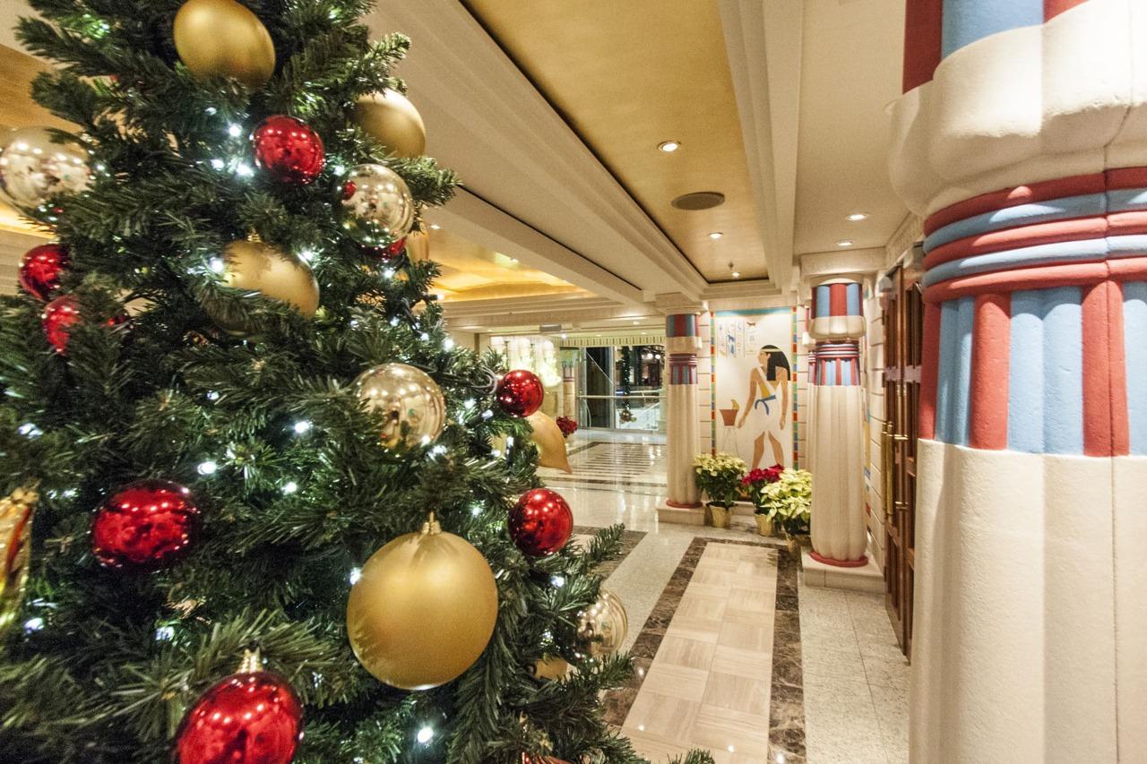 Круизный лайнер Independence of the Seas - RCI_Independence_Christmas_Promenade-28