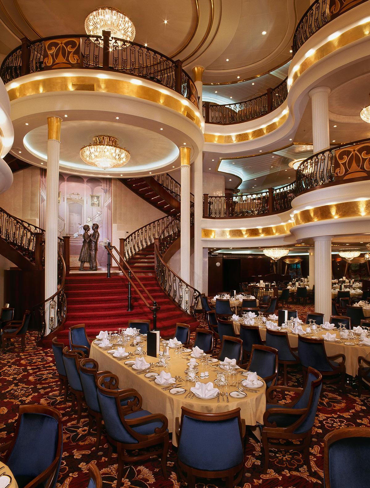 Круизный лайнер Mariner of the Seas - Главная столовая (Dining room)