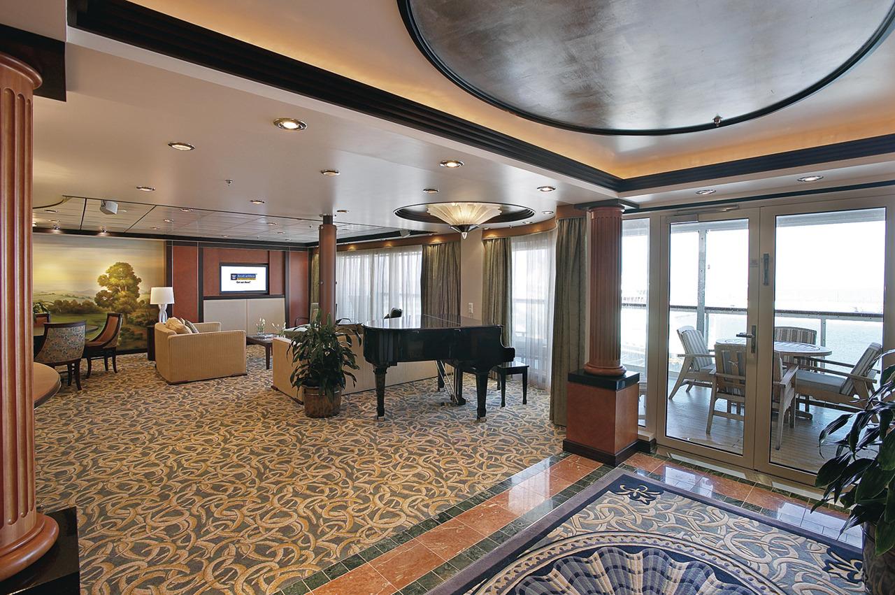 Круизный лайнер Mariner of the Seas - Каюта RoyalSuite