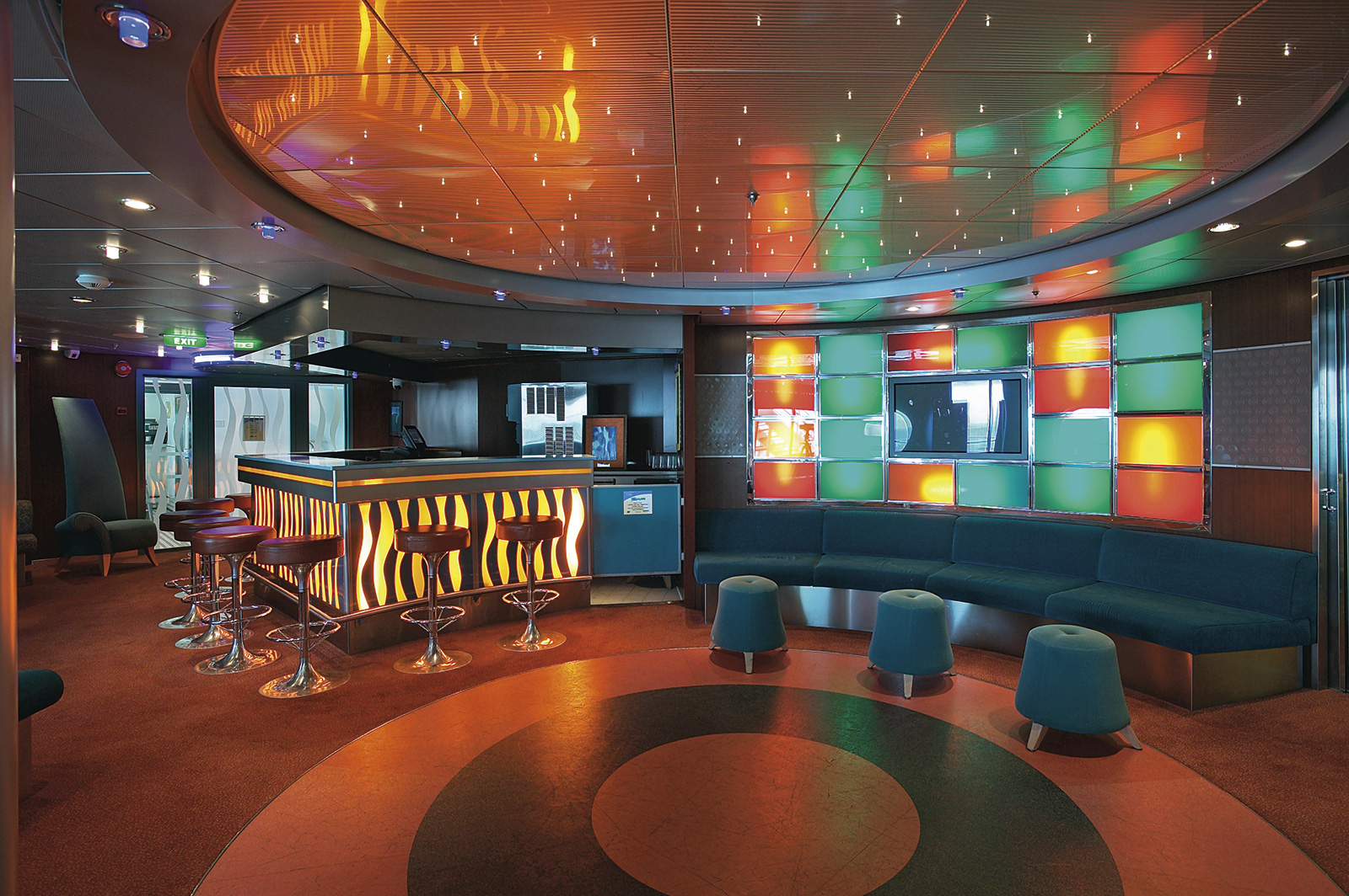 Круизный лайнер Mariner of the Seas - Гостиная (Livingroom Lounge)