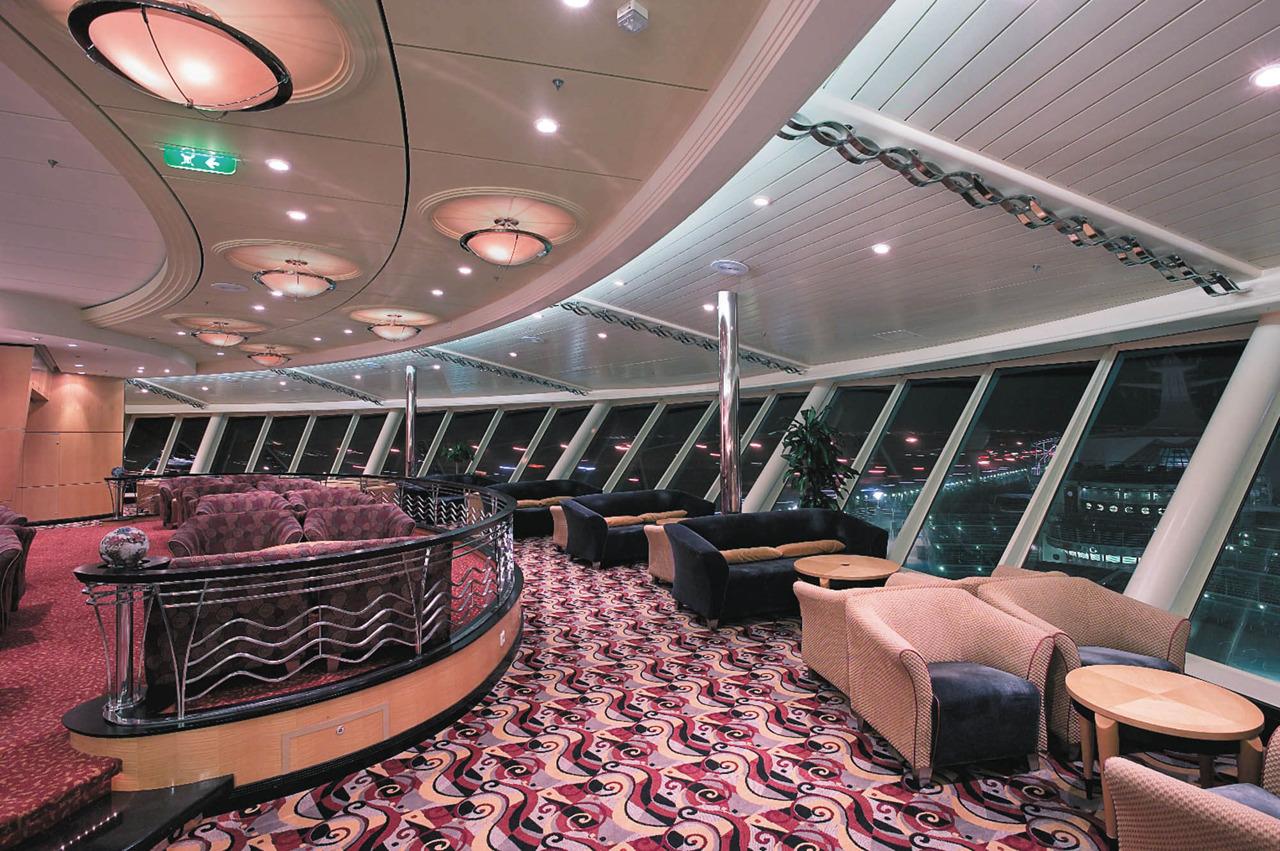 Круизный лайнер Mariner of the Seas - Гостиная Корона Викингов (Viking Crown)