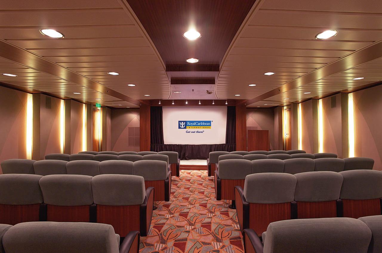 Круизный лайнер Mariner of the Seas - Кинотеатр (Movie Screening)