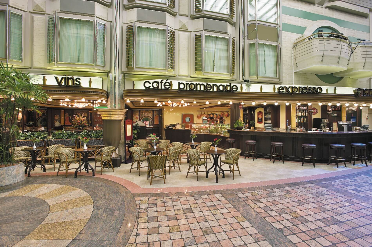 Круизный лайнер Mariner of the Seas - Кафе Променад (Promenade Cafe)