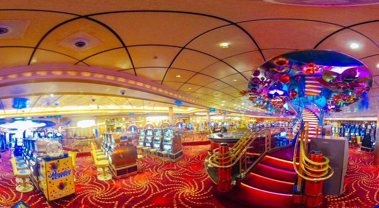 Круизный лайнер Navigator of the Seas - Казино (People Gamble)