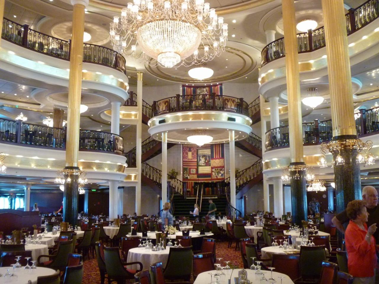 Круизный лайнер Navigator of the Seas - Основной ресторан (Dining Room)
