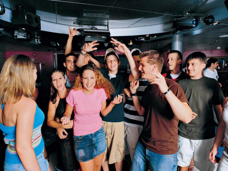 Круизный лайнер Navigator of the Seas - Дискотека (Teens Dance)