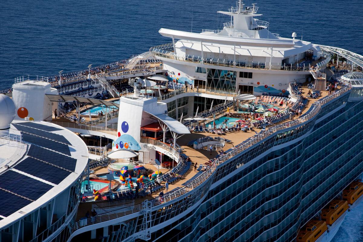 Круизный лайнер Oasis of the Seas - Палуба Водных Развлечений (Pool Deck)
