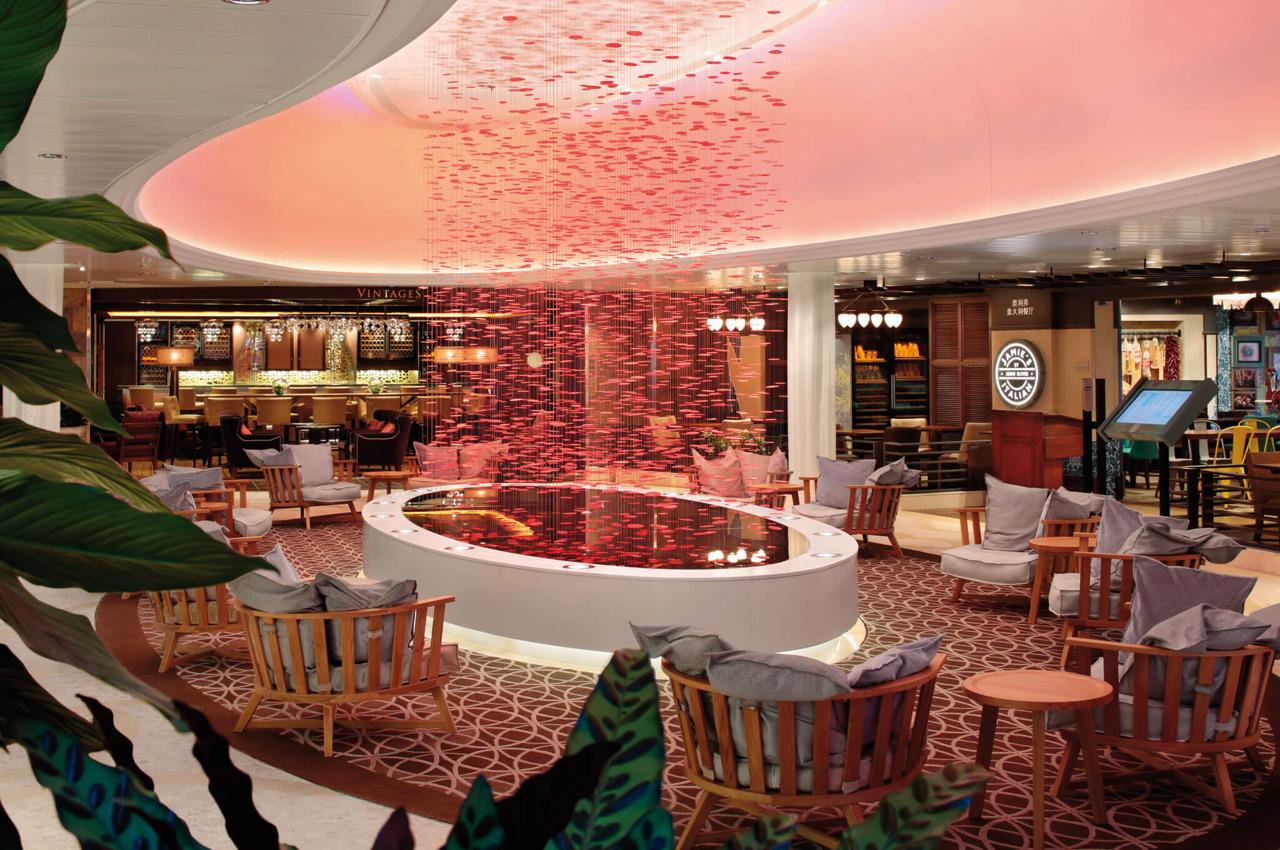 Круизный лайнер Ovation of the Seas - Лаунж The Via