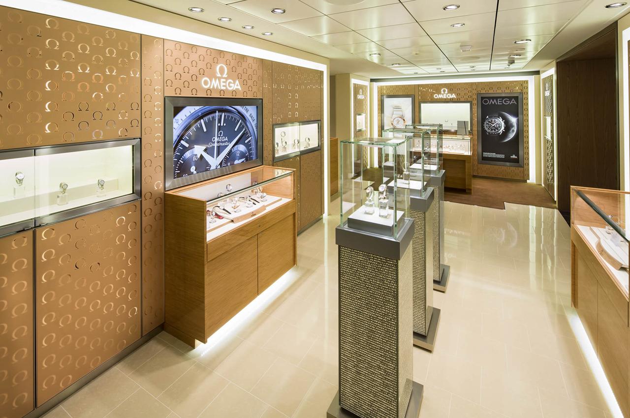 Круизный лайнер Ovation of the Seas - Зона бутиков