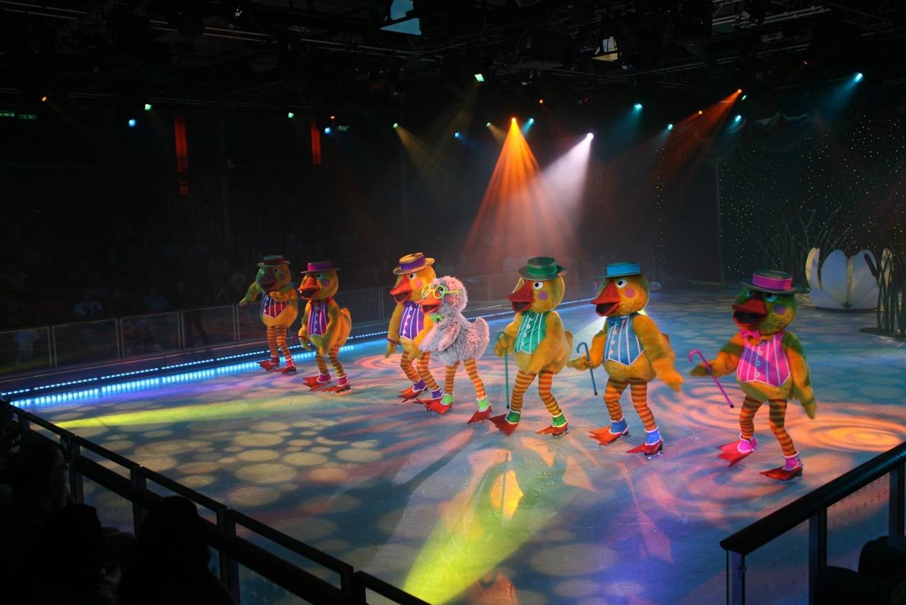 Круизный лайнер Allure of the Seas - Шоу на льду (Ice Show)