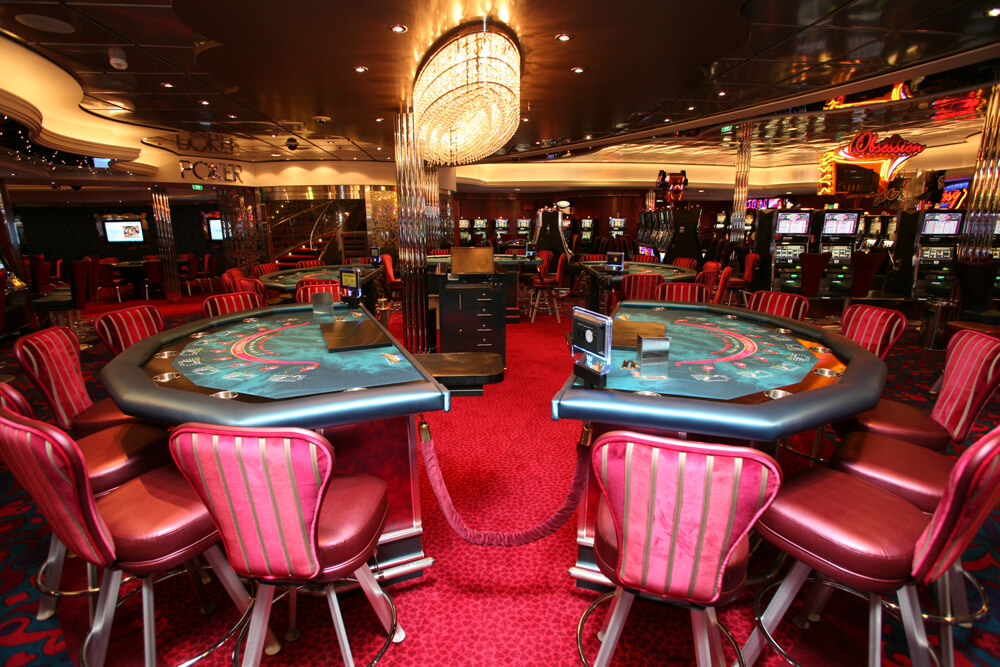 Круизный лайнер Allure of the Seas - Казино (Casino)