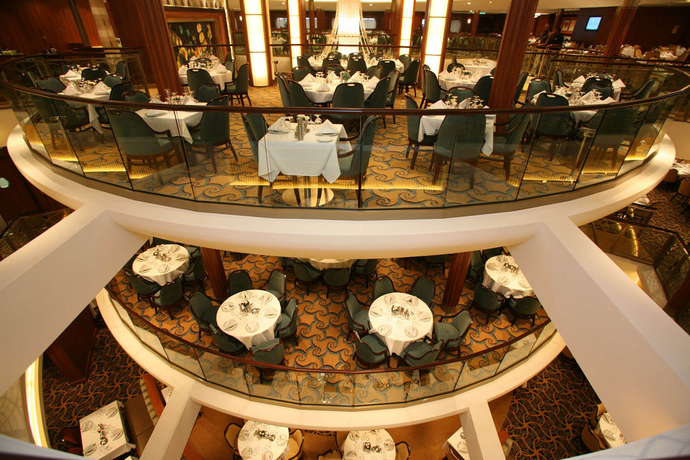 Круизный лайнер Allure of the Seas - Основной ресторан (Dining Room)