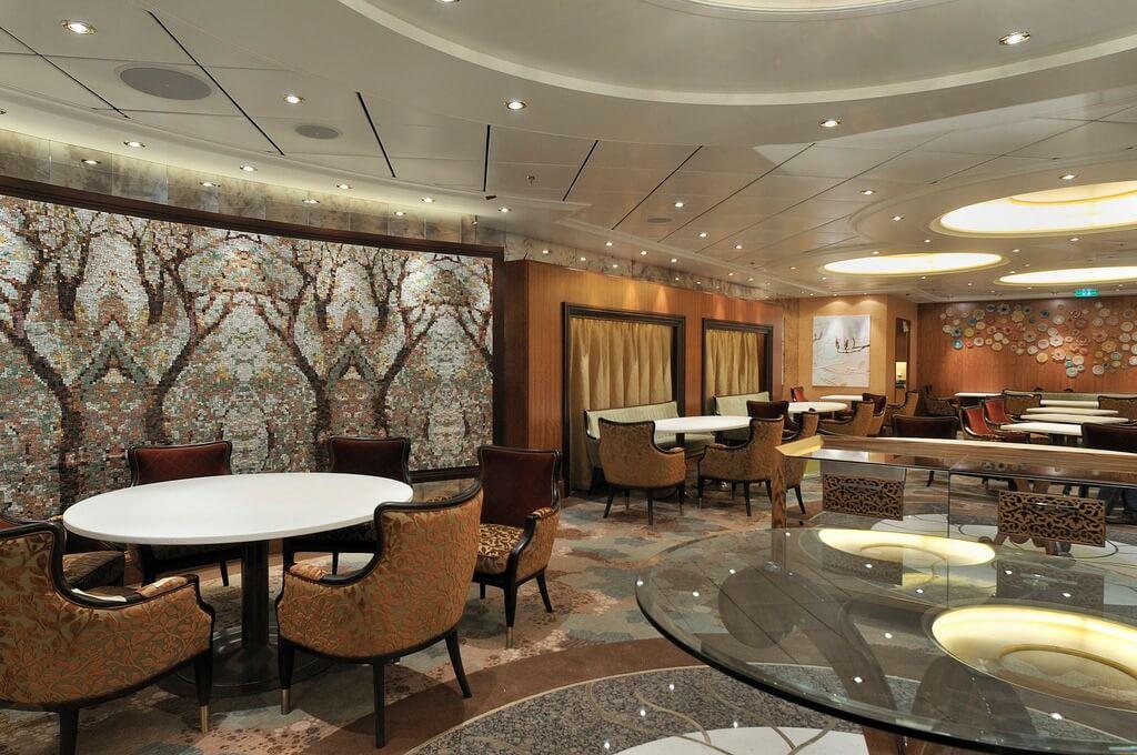 Круизный лайнер Allure of the Seas - Ресторан в Центральном парке (Central Park Restaurant)