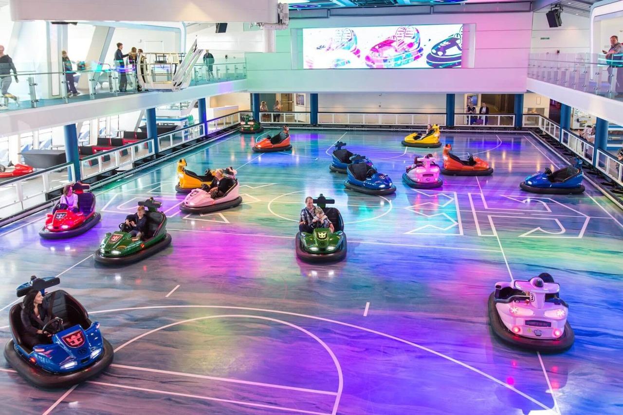 Круизный лайнер Quantum of the Seas - Indoor-Bumper-Cars