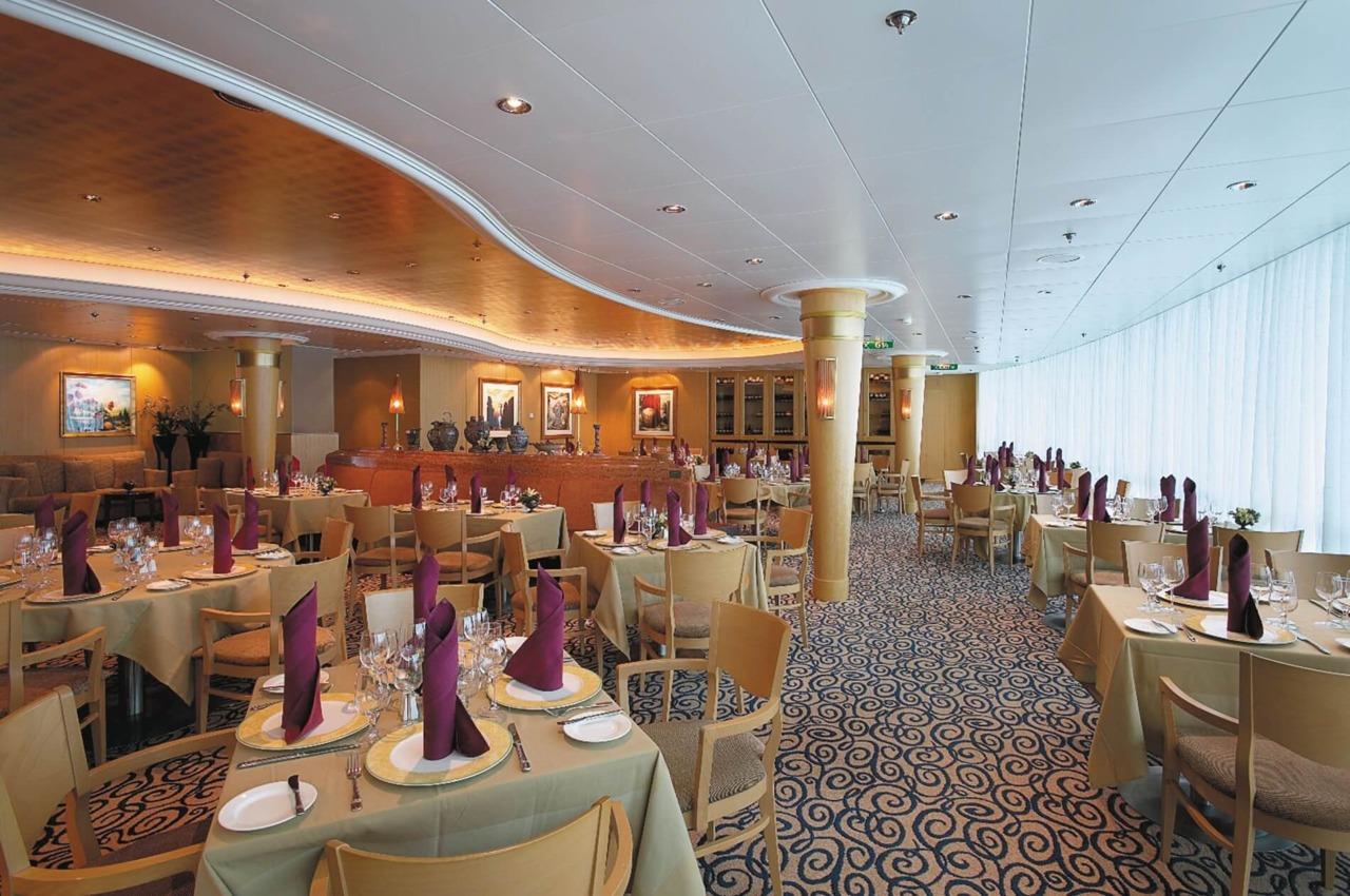 Круизный лайнер Radiance of the Seas - Итальянский ресторан (Portofino)