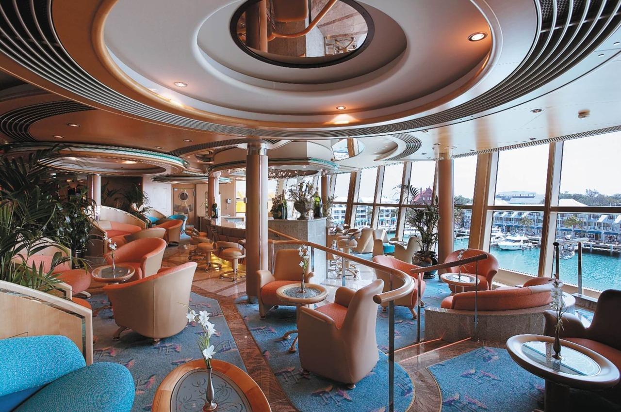 Круизный лайнер Radiance of the Seas - Бар Champagne (Champagne Bar)