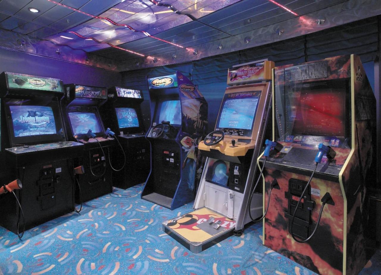 Круизный лайнер Rhapsody of the Seas - Аркада видеоигр (Arcade Room)