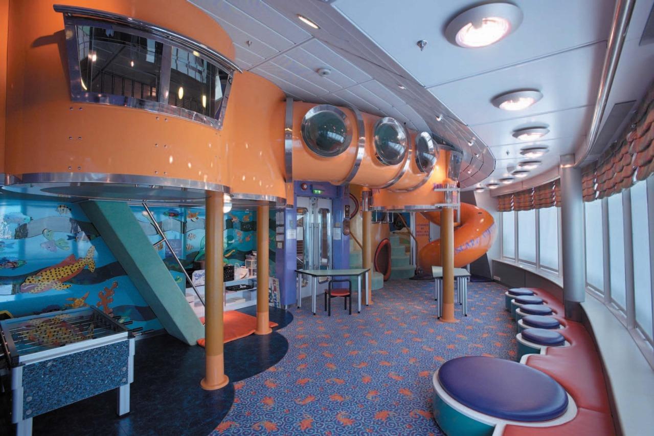 Круизный лайнер Rhapsody of the Seas - Игровой зал (Playroom)