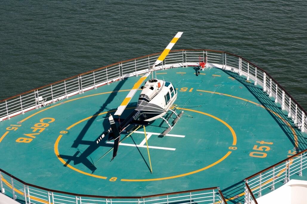 Круизный лайнер Serenade of the Seas - Вертолет (Helicopter)