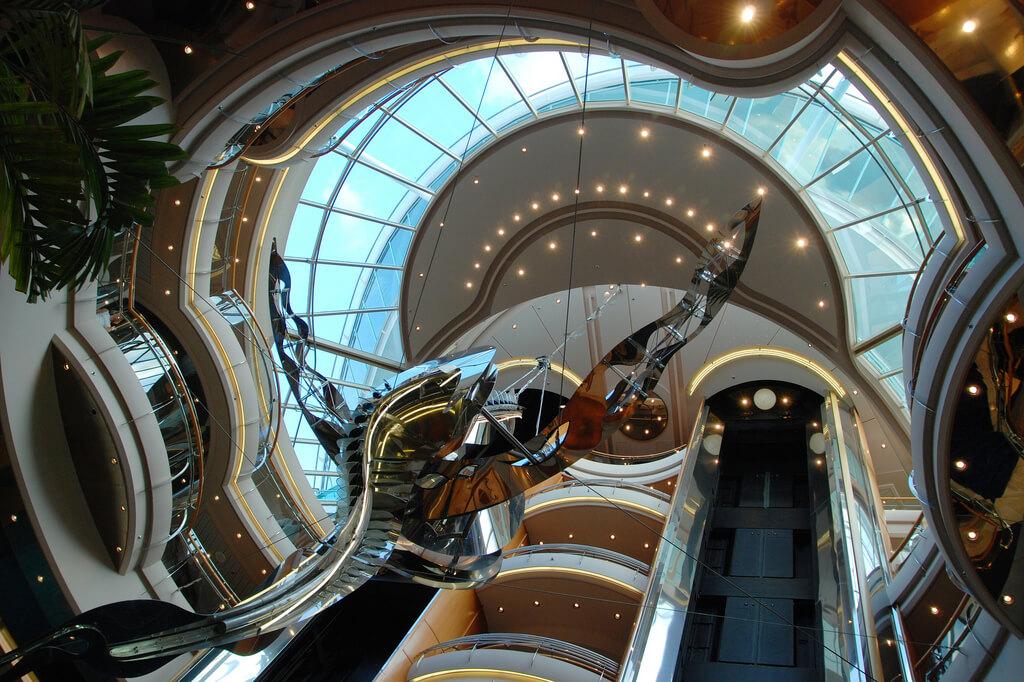 Круизный лайнер Vision of the Seas - Атриум (Atrium)