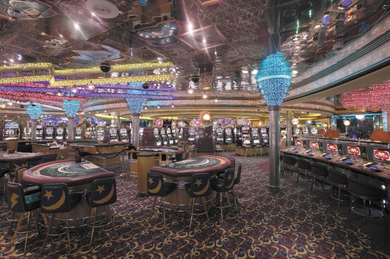 Круизный лайнер Vision of the Seas - Казино (Casino)