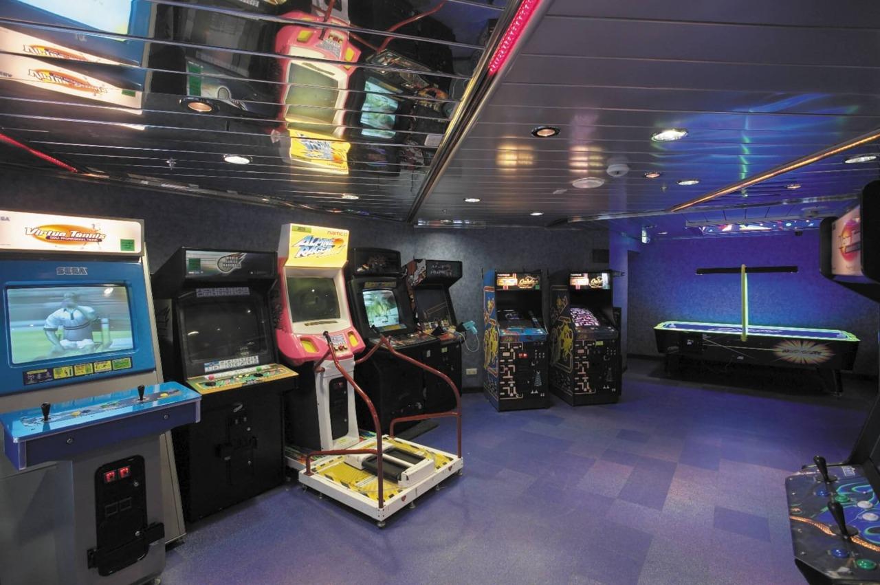 Круизный лайнер Vision of the Seas - Аркада видеоигр (Arcade Room)