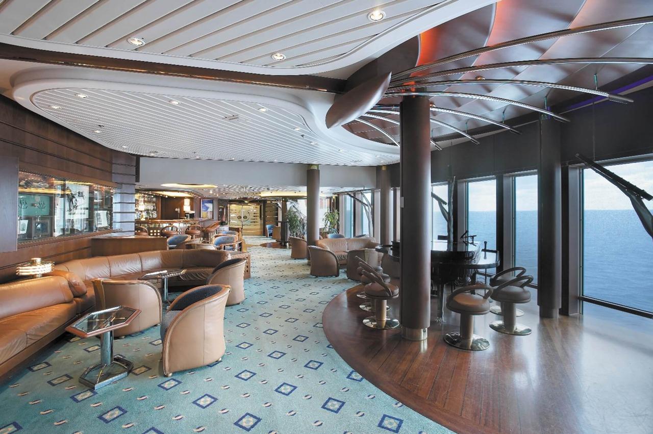 Круизный лайнер Vision of the Seas - Шхуна-бар (Schooner Bar)