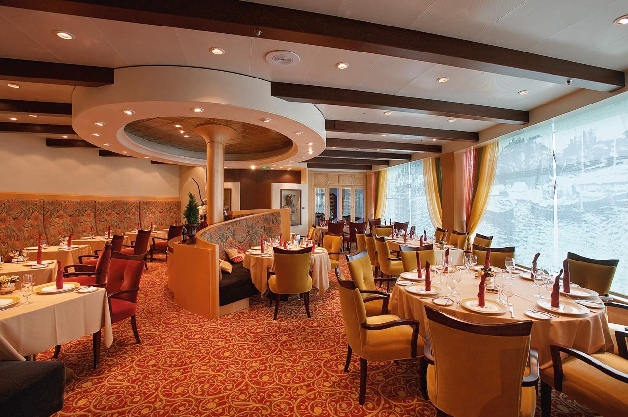 Круизный лайнер Voyager of the Seas - Ресторан итальянской кухни (Portofino)