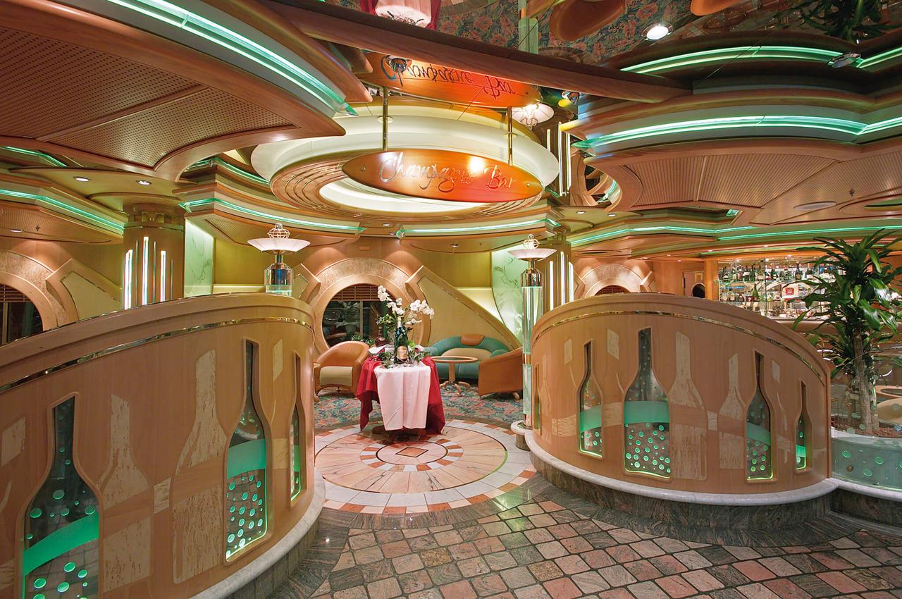Круизный лайнер Voyager of the Seas - Бар Champagne (Champagne Bar)