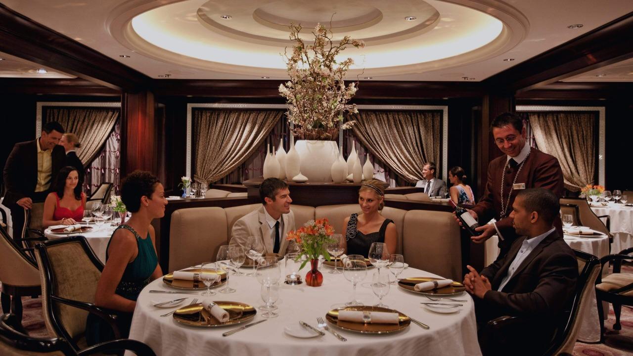 Круизный лайнер Celebrity Eclipse - Ресторан Murano (Murano Dining room)