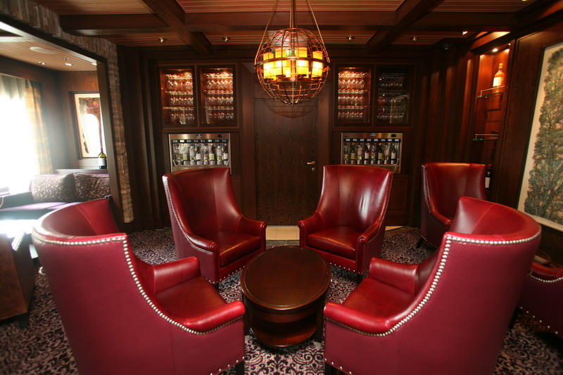 Круизный лайнер Celebrity Eclipse - Винный ресторан (Cellar Masters wine tasting bar)