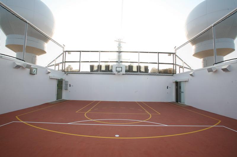 Круизный лайнер Celebrity Eclipse - Волейбольный корт (Volleyball court)