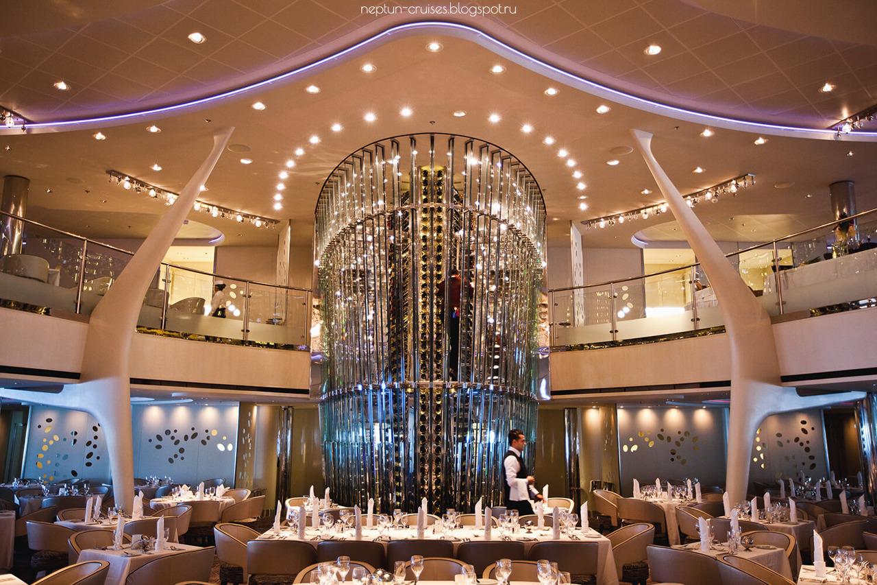 Круизный лайнер Celebrity Equinox - Винная башня (Wine Tower)