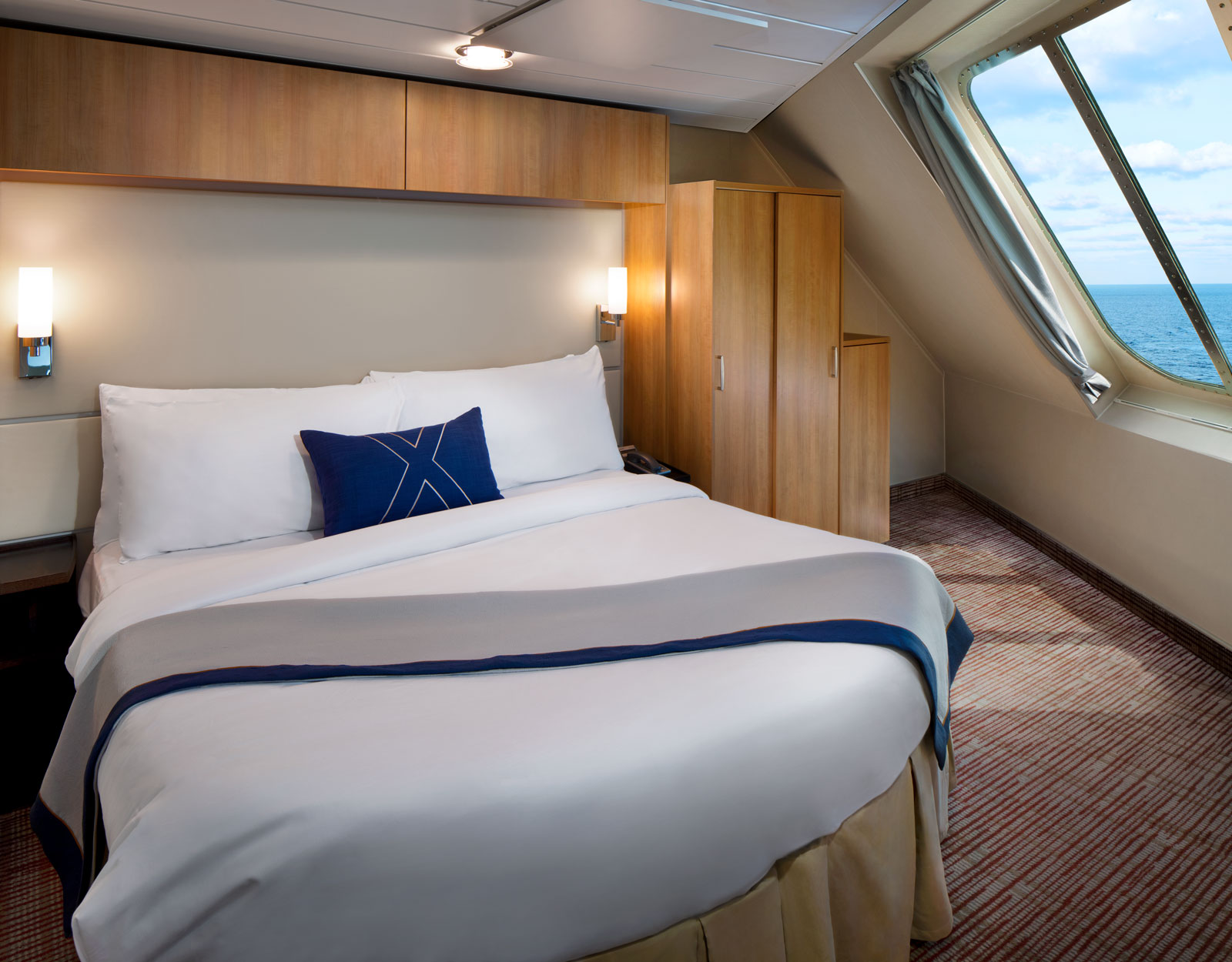 Круизный лайнер Celebrity Equinox - EQ19-FamilyVeranda-BedroomR