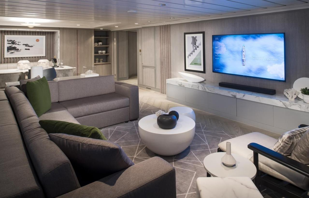 Круизный лайнер Celebrity Millennium - ML19-PenthouseSuite-LivingroomR