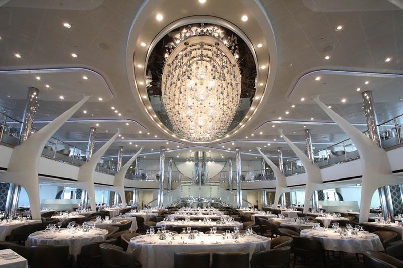 Круизный лайнер Celebrity Reflection - Основной ресторан Opus Dining Room