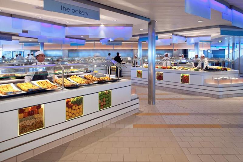 Круизный лайнер Celebrity Reflection - Ресторан-шведский стол Ocenview Cafe