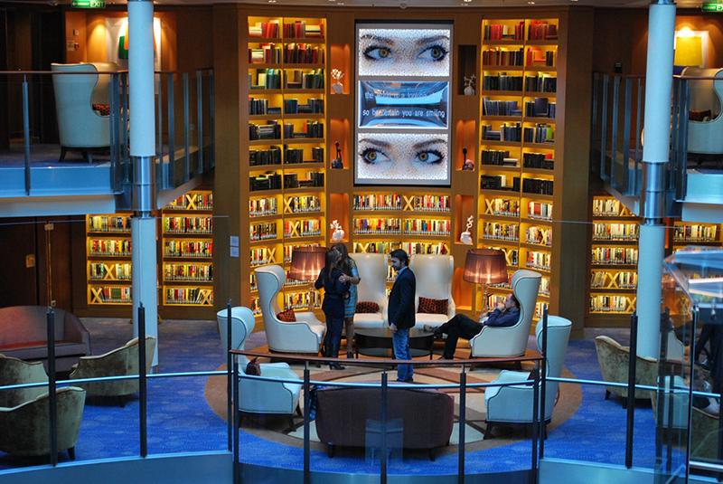 Круизный лайнер Celebrity Reflection - Библиотека