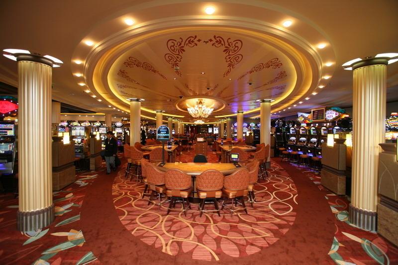 Круизный лайнер Celebrity Silhouette - Казино (Fortunes Casino)