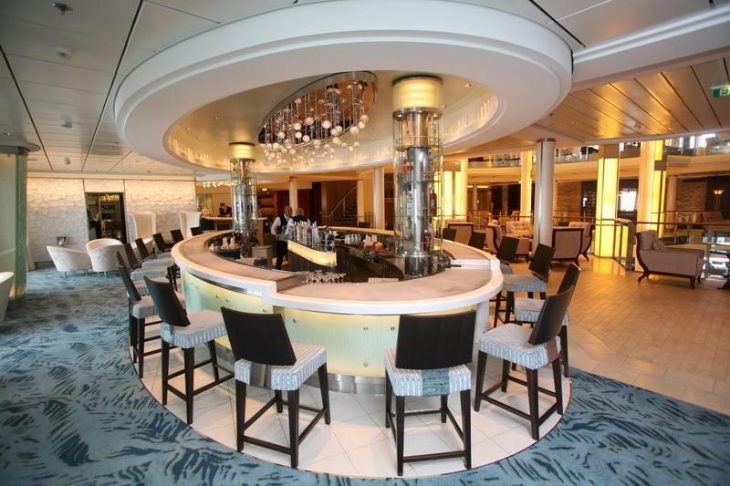 Круизный лайнер Celebrity Silhouette - Мартини Бар (The Martini Bar)