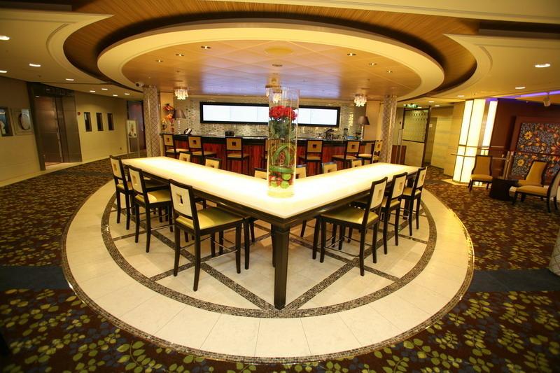 Круизный лайнер Celebrity Silhouette - Бар (Bar)