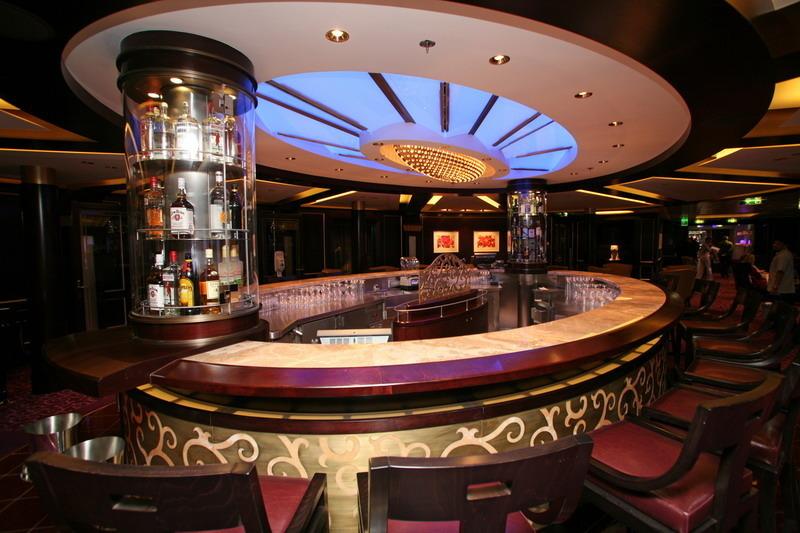 Круизный лайнер Celebrity Silhouette - Салон Ensemble (Ensemble Lounge)