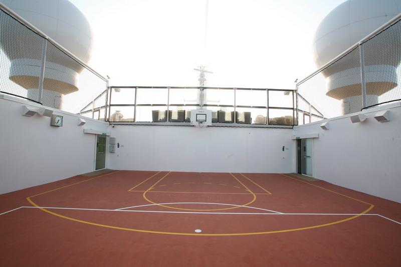 Круизный лайнер Celebrity Silhouette - Волейбольный корт (Volleyball court)
