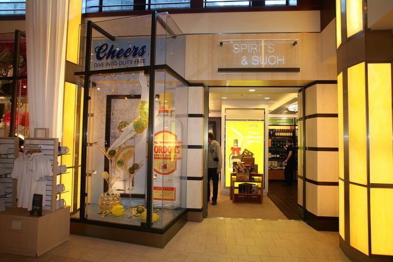 Круизный лайнер Celebrity Silhouette - Магазины (Shops)