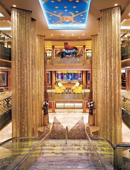 Круизный лайнер Celebrity Summit - Атриум (Grand Foyer)
